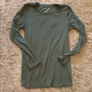 Knit long sleeve shirt
